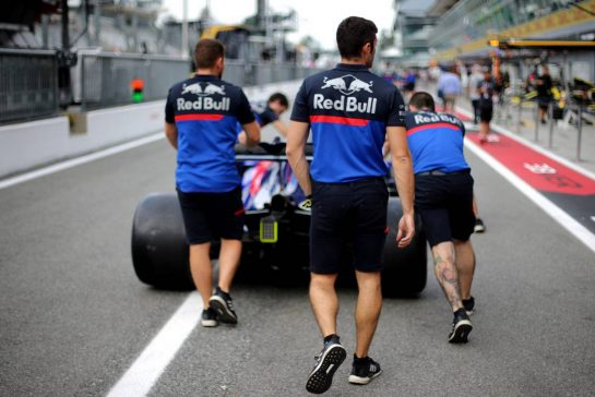 Scuderia Toro Rosso   05.09.2019. Formula 1 World Championship, Rd 14, Italian Grand Prix, Monza, Italy, Preparation Day. - www.xpbimages.com, EMail: requests@xpbimages.com - copy of publication required for printed pictures. Every used picture is fee-liable. © Copyright: Charniaux / XPB Images