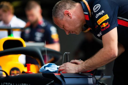 Red Bull Racing mechanic works on the Red Bull Racing RB15. 05.09.2019. Formula 1 World Championship, Rd 14, Italian Grand Prix, Monza, Italy, Preparation Day.  - www.xpbimages.com, EMail: requests@xpbimages.com - copy of publication required for printed pictures. Every used picture is fee-liable. © Copyright: Filipe / XPB Images