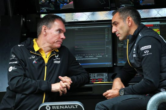 (L to R): Alan Permane (GBR) Renault F1 Team Trackside Operations Director with Cyril Abiteboul (FRA) Renault Sport F1 Managing Director.