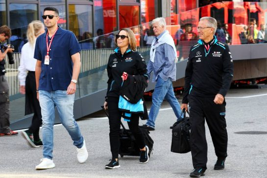 Claire Williams (GBR) Williams Racing Deputy Team Principal with husband Marc Harris (GBR) (Left).