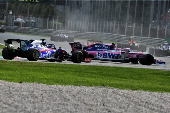 Lance Stroll (CDN) Racing Point F1 Team RP19 returns to the circuit ahead of Pierre Gasly (FRA) Scuderia Toro Rosso STR14 after spinning during the race.