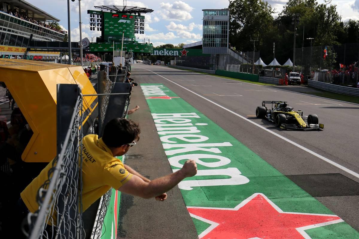 Daniel Ricciardo (AUS) crosses the line in fourth place at the end of the 2019 Italian Grand Prix.