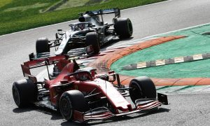 Palmer and Villeneuve criticise use of new 'yellow card'