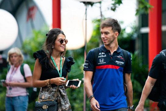 Pierre Gasly (FRA) Scuderia Toro Rosso with his girlfriend Caterina Masetti Zannini.