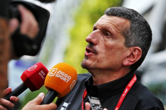 Guenther Steiner (ITA) Haas F1 Team Prinicipal with the media. 19.09.2019. Formula 1 World Championship, Rd 15, Singapore Grand Prix, Marina Bay Street Circuit, Singapore, Preparation Day. - www.xpbimages.com, EMail: requests@xpbimages.com - copy of publication required for printed pictures. Every used picture is fee-liable. © Copyright: Moy / XPB Images