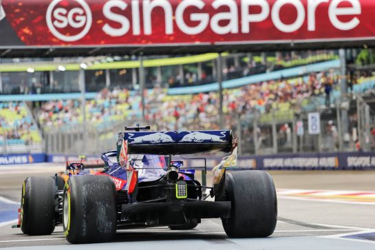 Daniil Kvyat (RUS) Scuderia Toro Rosso STR14. 20.09.2019. Formula 1 World Championship, Rd 15, Singapore Grand Prix, Marina Bay Street Circuit, Singapore, Practice Day.  - www.xpbimages.com, EMail: requests@xpbimages.com - copy of publication required for printed pictures. Every used picture is fee-liable. © Copyright: Bearne / XPB Images
