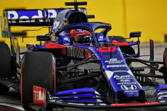 Daniil Kvyat (RUS) Scuderia Toro Rosso STR14. 20.09.2019. Formula 1 World Championship, Rd 15, Singapore Grand Prix, Marina Bay Street Circuit, Singapore, Practice Day.  - www.xpbimages.com, EMail: requests@xpbimages.com - copy of publication required for printed pictures. Every used picture is fee-liable. © Copyright: Dungan / XPB Images