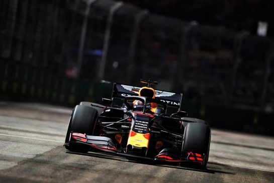 Max Verstappen (NLD) Red Bull Racing RB15.                                20.09.2019. Formula 1 World Championship, Rd 15, Singapore Grand Prix, Marina Bay Street Circuit, Singapore, Practice Day.  - www.xpbimages.com, EMail: requests@xpbimages.com - copy of publication required for printed pictures. Every used picture is fee-liable. © Copyright: Dungan / XPB Images