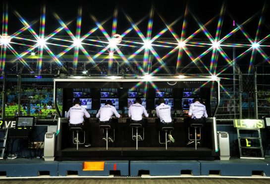 Mercedes AMG F1 pit gantry. 20.09.2019. Formula 1 World Championship, Rd 15, Singapore Grand Prix, Marina Bay Street Circuit, Singapore, Practice Day. - www.xpbimages.com, EMail: requests@xpbimages.com - copy of publication required for printed pictures. Every used picture is fee-liable. © Copyright: Moy / XPB Images