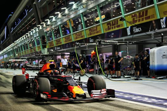Alexander Albon (THA) Red Bull Racing RB15. 20.09.2019. Formula 1 World Championship, Rd 15, Singapore Grand Prix, Marina Bay Street Circuit, Singapore, Practice Day. - www.xpbimages.com, EMail: requests@xpbimages.com - copy of publication required for printed pictures. Every used picture is fee-liable. © Copyright: Batchelor / XPB Images