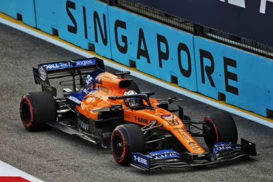 Carlos Sainz Jr (ESP) McLaren MCL34. 21.09.2019. Formula 1 World Championship, Rd 15, Singapore Grand Prix, Marina Bay Street Circuit, Singapore, Qualifying Day. - www.xpbimages.com, EMail: requests@xpbimages.com - copy of publication required for printed pictures. Every used picture is fee-liable. © Copyright: Moy / XPB Images