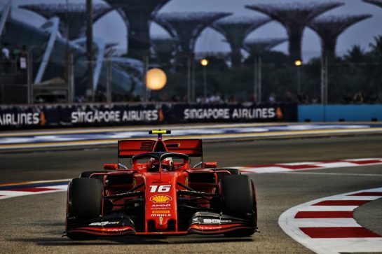 Charles Leclerc (MON) Ferrari SF90. 21.09.2019. Formula 1 World Championship, Rd 15, Singapore Grand Prix, Marina Bay Street Circuit, Singapore, Qualifying Day. - www.xpbimages.com, EMail: requests@xpbimages.com - copy of publication required for printed pictures. Every used picture is fee-liable. © Copyright: Batchelor / XPB Images