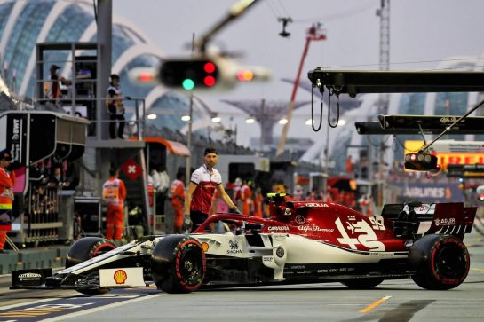 Antonio Giovinazzi (ITA) Alfa Romeo Racing C38. 21.09.2019. Formula 1 World Championship, Rd 15, Singapore Grand Prix, Marina Bay Street Circuit, Singapore, Qualifying Day. - www.xpbimages.com, EMail: requests@xpbimages.com - copy of publication required for printed pictures. Every used picture is fee-liable. © Copyright: Photo4 / XPB Images