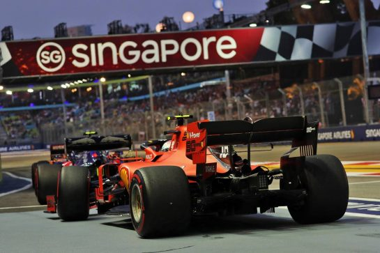 Charles Leclerc (MON) Ferrari SF90. 21.09.2019. Formula 1 World Championship, Rd 15, Singapore Grand Prix, Marina Bay Street Circuit, Singapore, Qualifying Day. - www.xpbimages.com, EMail: requests@xpbimages.com - copy of publication required for printed pictures. Every used picture is fee-liable. © Copyright: Photo4 / XPB Images