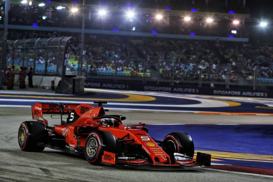 Charles Leclerc (MON) Ferrari SF90. 21.09.2019. Formula 1 World Championship, Rd 15, Singapore Grand Prix, Marina Bay Street Circuit, Singapore, Qualifying Day. - www.xpbimages.com, EMail: requests@xpbimages.com - copy of publication required for printed pictures. Every used picture is fee-liable. © Copyright: Moy / XPB Images