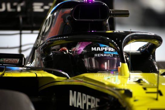 Daniel Ricciardo (AUS), Renault F1 Team 21.09.2019. Formula 1 World Championship, Rd 15, Singapore Grand Prix, Marina Bay Street Circuit, Singapore, Qualifying Day.- www.xpbimages.com, EMail: requests@xpbimages.com - copy of publication required for printed pictures. Every used picture is fee-liable. © Copyright: Charniaux / XPB Images