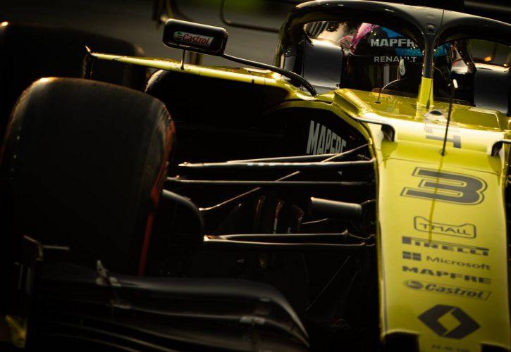 Daniel Ricciardo (AUS) Renault F1 Team RS19.