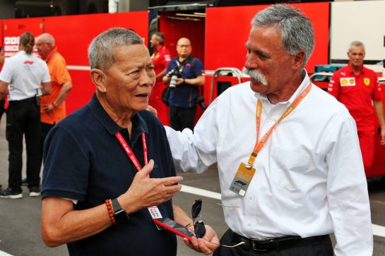 (L to R): Colin Syn (SIN) Singapore GP Promotor with Chase Carey (USA) Formula One Group Chairman. 22.09.2019. Formula 1 World Championship, Rd 15, Singapore Grand Prix, Marina Bay Street Circuit, Singapore, Race Day. - www.xpbimages.com, EMail: requests@xpbimages.com - copy of publication required for printed pictures. Every used picture is fee-liable. © Copyright: Batchelor / XPB Images