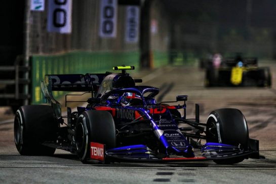 Pierre Gasly (FRA) Scuderia Toro Rosso STR14. 22.09.2019. Formula 1 World Championship, Rd 15, Singapore Grand Prix, Marina Bay Street Circuit, Singapore, Race Day. - www.xpbimages.com, EMail: requests@xpbimages.com - copy of publication required for printed pictures. Every used picture is fee-liable. © Copyright: Moy / XPB Images