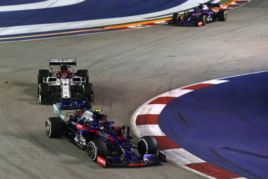 Pierre Gasly (FRA), Scuderia Toro Rosso 22.09.2019. Formula 1 World Championship, Rd 15, Singapore Grand Prix, Marina Bay Street Circuit, Singapore, Race Day.- www.xpbimages.com, EMail: requests@xpbimages.com - copy of publication required for printed pictures. Every used picture is fee-liable. © Copyright: Charniaux / XPB Images
