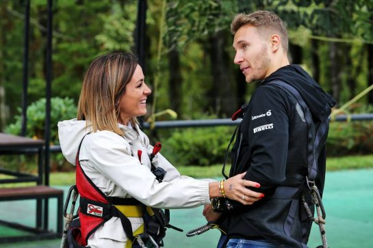 Natalie Pinkham (GBR) Sky Sports Presenter with Sergey Sirotkin (RUS) Renault F1 Team Reserve Driver - Skypark. 26.09.2019. Formula 1 World Championship, Rd 16, Russian Grand Prix, Sochi Autodrom, Sochi, Russia, Preparation Day. - www.xpbimages.com, EMail: requests@xpbimages.com - copy of publication required for printed pictures. Every used picture is fee-liable. © Copyright: Moy / XPB Images