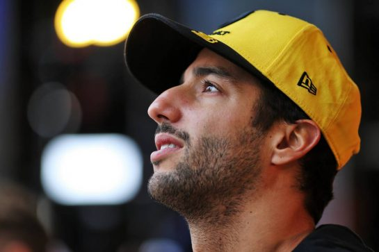 Daniel Ricciardo (AUS) Renault F1 Team at the Fanzone. 26.09.2019. Formula 1 World Championship, Rd 16, Russian Grand Prix, Sochi Autodrom, Sochi, Russia, Preparation Day.  - www.xpbimages.com, EMail: requests@xpbimages.com - copy of publication required for printed pictures. Every used picture is fee-liable. © Copyright: Filipe / XPB Images