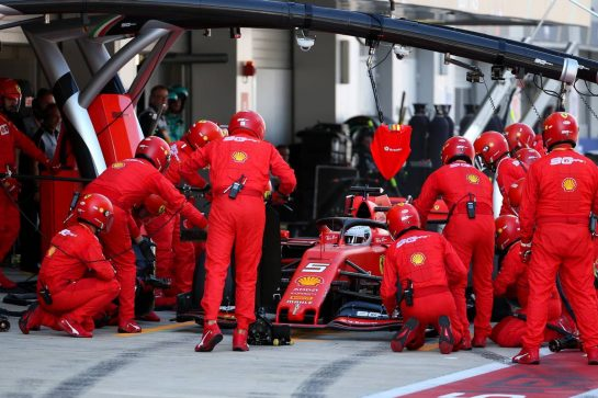 Sebastian Vettel (GER) Ferrari SF90 pit stop. 29.09.2019. Formula 1 World Championship, Rd 16, Russian Grand Prix, Sochi Autodrom, Sochi, Russia, Race Day. - www.xpbimages.com, EMail: requests@xpbimages.com - copy of publication required for printed pictures. Every used picture is fee-liable. © Copyright: Batchelor / XPB Images