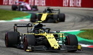 Nico Hulkenberg (GER) Renault F1 Team RS19.