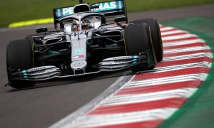 Hamilton: 'Useless' tyres could lead to three or four-stop race