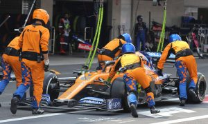 Cross-threaded wheelnut caused Norris' botched pitstop