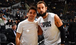 Leclerc on the rebound with the Spurs