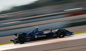 Frijns follows Bird in Valencia FE test