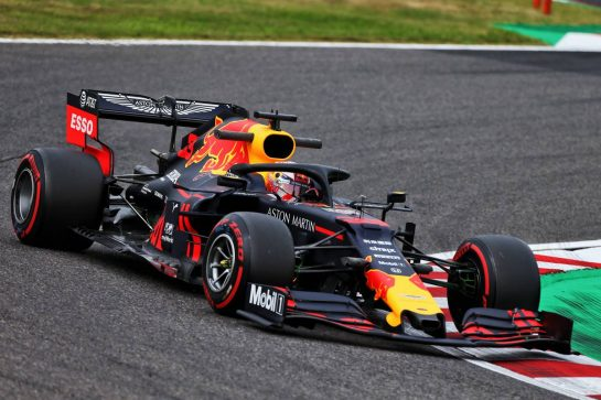 Max Verstappen (NLD) Red Bull Racing RB15. 11.10.2019. Formula 1 World Championship, Rd 17, Japanese Grand Prix, Suzuka, Japan, Practice Day. - www.xpbimages.com, EMail: requests@xpbimages.com - copy of publication required for printed pictures. Every used picture is fee-liable. © Copyright: Moy / XPB Images