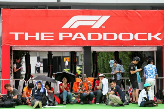 Paddock atmosphere. 11.10.2019. Formula 1 World Championship, Rd 17, Japanese Grand Prix, Suzuka, Japan, Practice Day. - www.xpbimages.com, EMail: requests@xpbimages.com - copy of publication required for printed pictures. Every used picture is fee-liable. © Copyright: Moy / XPB Images