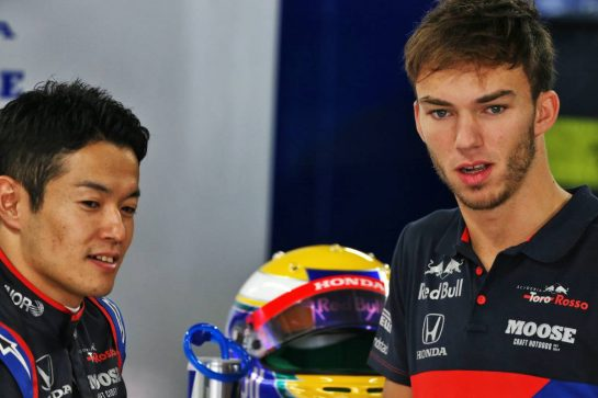 (L to R): Naoki Yamamoto (JPN) Scuderia Toro Rosso with Pierre Gasly (FRA) Scuderia Toro Rosso. 11.10.2019. Formula 1 World Championship, Rd 17, Japanese Grand Prix, Suzuka, Japan, Practice Day. - www.xpbimages.com, EMail: requests@xpbimages.com - copy of publication required for printed pictures. Every used picture is fee-liable. © Copyright: Moy / XPB Images