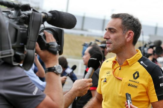 Cyril Abiteboul (FRA) Renault Sport F1 Managing Director with the media. 11.10.2019. Formula 1 World Championship, Rd 17, Japanese Grand Prix, Suzuka, Japan, Practice Day. - www.xpbimages.com, EMail: requests@xpbimages.com - copy of publication required for printed pictures. Every used picture is fee-liable. © Copyright: Moy / XPB Images