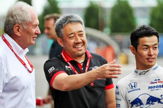 (L to R): Dr Helmut Marko (AUT) Red Bull Motorsport Consultant with Toyoharu Tanabe (JPN) Honda Racing F1 Technical Director and Naoki Yamamoto (JPN) Scuderia Toro Rosso. 11.10.2019. Formula 1 World Championship, Rd 17, Japanese Grand Prix, Suzuka, Japan, Practice Day. - www.xpbimages.com, EMail: requests@xpbimages.com - copy of publication required for printed pictures. Every used picture is fee-liable. © Copyright: Batchelor / XPB Images