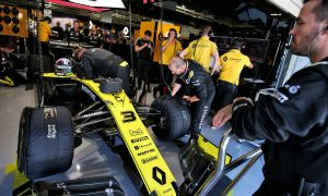 Abiteboul admits Renault needs 'stronger direction'