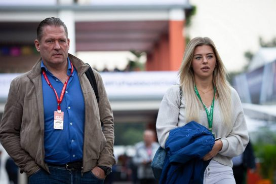Jos Verstappen (NLD) with his daughter Victoria Jane Verstappen. 25.10.2019. Formula 1 World Championship, Rd 18, Mexican Grand Prix, Mexico City, Mexico, Practice Day.  - www.xpbimages.com, EMail: requests@xpbimages.com © Copyright: Bearne / XPB Images