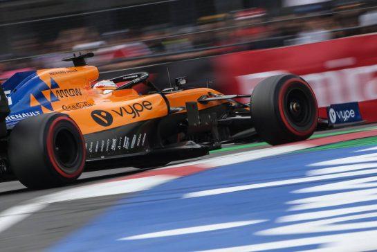 Carlos Sainz Jr (ESP), McLaren F1 Team 26.10.2019. Formula 1 World Championship, Rd 18, Mexican Grand Prix, Mexico City, Mexico, Qualifying Day.- www.xpbimages.com, EMail: requests@xpbimages.com © Copyright: Charniaux / XPB Images