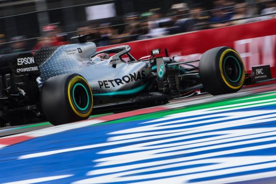 Lewis Hamilton (GBR), Mercedes AMG F1  26.10.2019. Formula 1 World Championship, Rd 18, Mexican Grand Prix, Mexico City, Mexico, Qualifying Day.- www.xpbimages.com, EMail: requests@xpbimages.com © Copyright: Charniaux / XPB Images