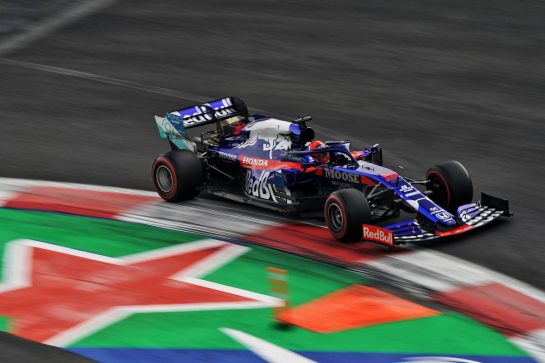 Daniil Kvyat (RUS) Scuderia Toro Rosso STR14.                                26.10.2019. Formula 1 World Championship, Rd 18, Mexican Grand Prix, Mexico City, Mexico, Qualifying Day.  - www.xpbimages.com, EMail: requests@xpbimages.com © Copyright: Dungan / XPB Images