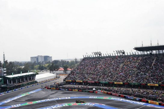 Daniel Ricciardo (AUS) Renault F1 Team RS19. 26.10.2019. Formula 1 World Championship, Rd 18, Mexican Grand Prix, Mexico City, Mexico, Qualifying Day.  - www.xpbimages.com, EMail: requests@xpbimages.com © Copyright: Bearne / XPB Images