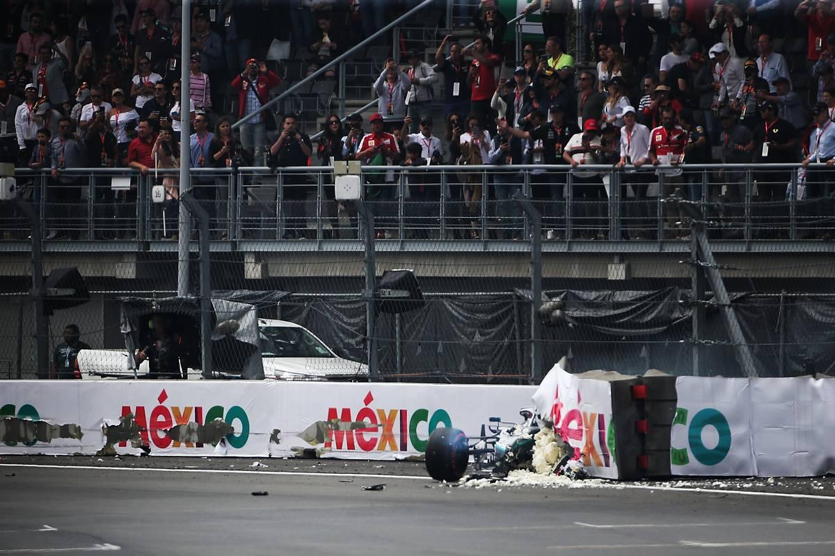 Valtteri Bottas (FIN) Mercedes AMG F1 W10 crashed during qualifying.