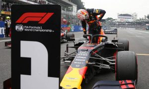 Verstappen holds on for Mexico pole after Bottas crash