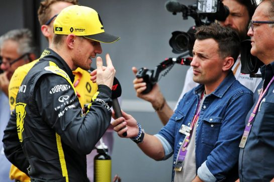 Nico Hulkenberg (GER) Renault F1 Team with the media. 26.10.2019. Formula 1 World Championship, Rd 18, Mexican Grand Prix, Mexico City, Mexico, Qualifying Day. - www.xpbimages.com, EMail: requests@xpbimages.com © Copyright: Batchelor / XPB Images