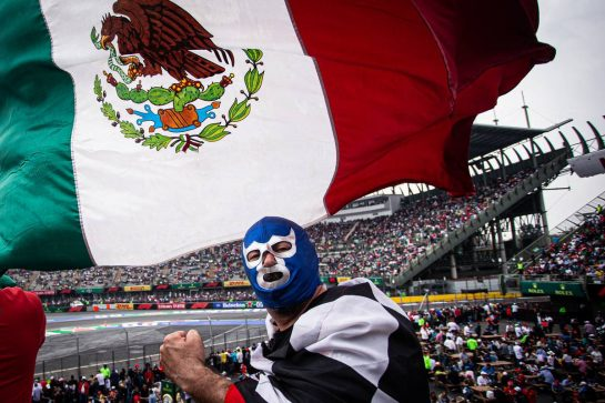 Fans in the grandstand. 26.10.2019. Formula 1 World Championship, Rd 18, Mexican Grand Prix, Mexico City, Mexico, Qualifying Day.  - www.xpbimages.com, EMail: requests@xpbimages.com © Copyright: Bearne / XPB Images