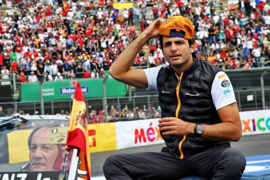 Carlos Sainz Jr (ESP) McLaren on the drivers parade. 27.10.2019. Formula 1 World Championship, Rd 18, Mexican Grand Prix, Mexico City, Mexico, Race Day. - www.xpbimages.com, EMail: requests@xpbimages.com © Copyright: Batchelor / XPB Images