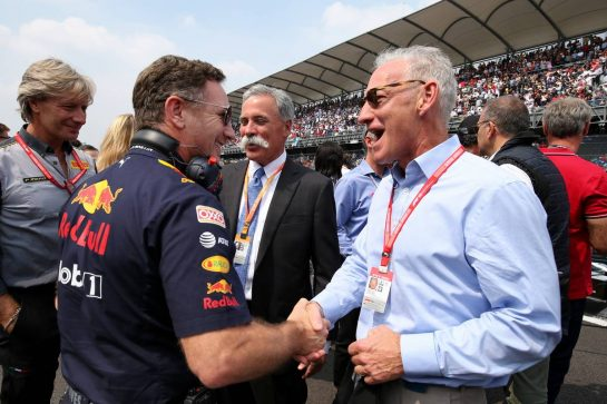 (L to R): Christian Horner (GBR) Red Bull Racing Team Principal with Chase Carey (USA) Formula One Group Chairman and Greg Maffei (USA) Liberty Media Corporation President and Chief Executive Officer on the grid.