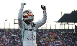 Hamilton wins in Mexico but has to wait for title